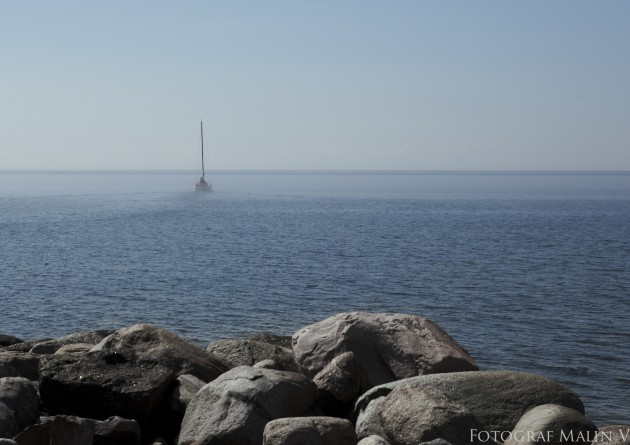 båt havet dimma stenar