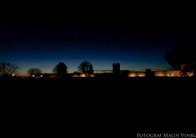 Ringmuren visby gotland solnedgång mörker kväll