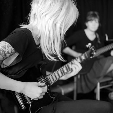 startbilder gotland Visby glädje attityd vatten bröllop natur musik tatuering Ella pop och rock folkhögskolan Fårösund