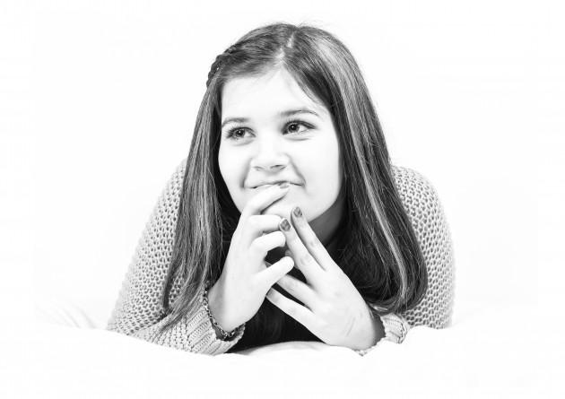 evelin studiofotografering svartvit porträtt