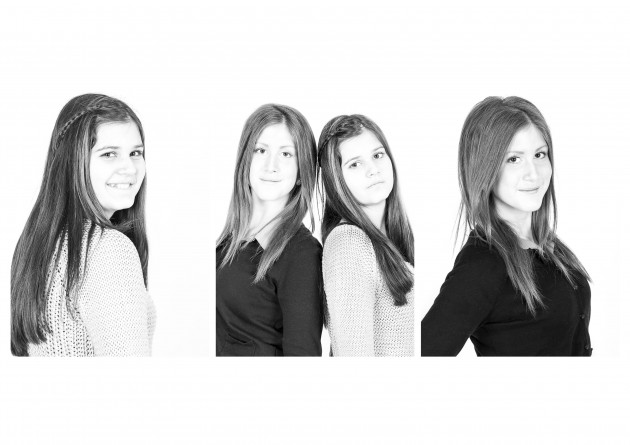 syskon Yasmine och Alex svartvitt porträtt kärlek glädje fotografering fotograf Malin Vinblad Gotland studio